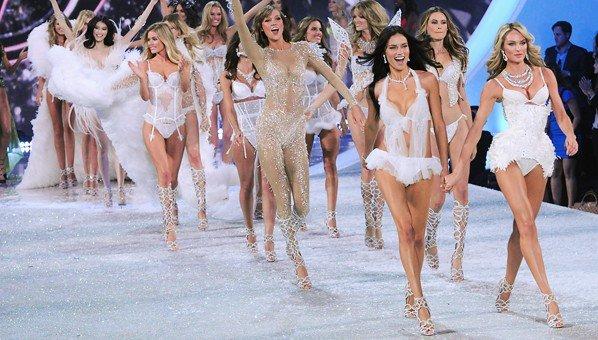 Victorias-Secret-Fashion-Show-vonulas